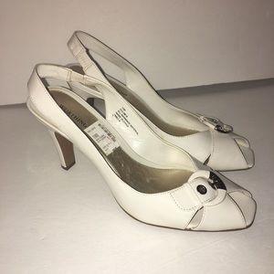 Worthington off white patent slingback heels